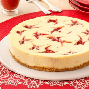 Strawberry-Cheesecake-Swirl_exps13176_TH_CW1973175D04_29_3bC_RMS-2-696×696